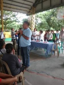 Distribution of Philhealth I.D. by Gov. Lillia Nanay Pineda to the people of Bacolor (1)