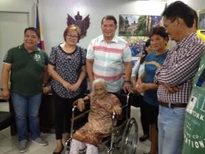 One time Cash Grant of 100,000 pesos to CentenarianSenior Citizen (6)