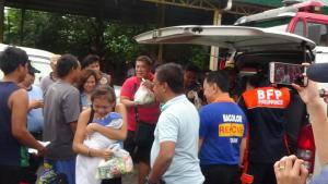Relief_Distribution_for_the_Evacuees_at_Municipal_Evacuation_Center_Bacolor_Pampanga