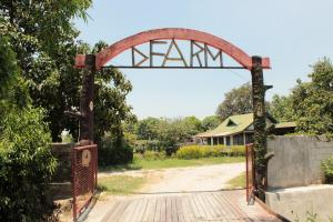 d farm resort